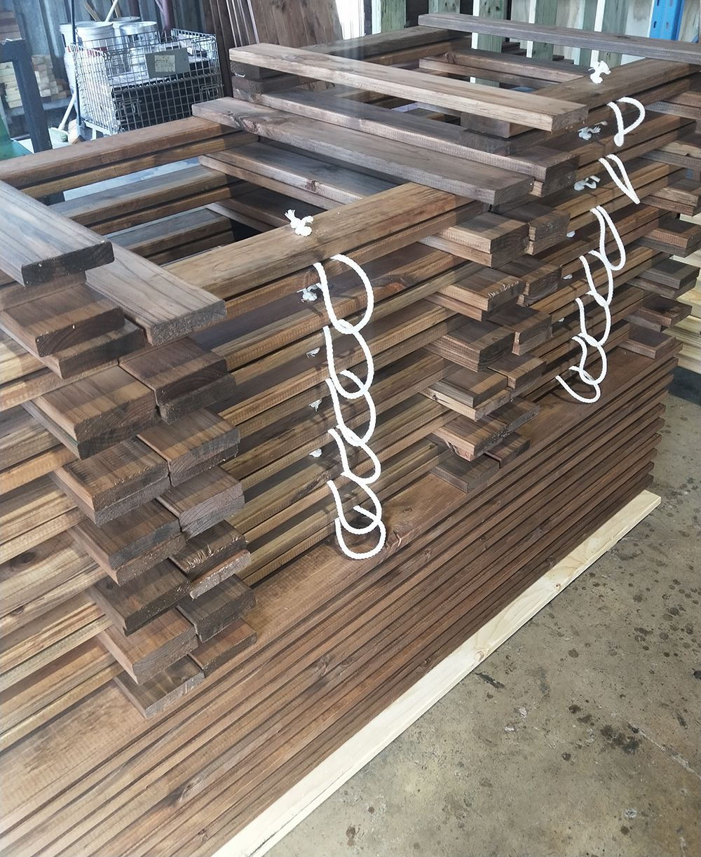 Timber Trestle Table Packaging